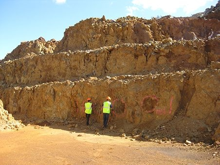 Sample active open cut mine faces in New Caledonia