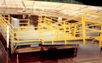 Reducing Maintenance Costs with Fibreglass Floating Docks for Containment Pits