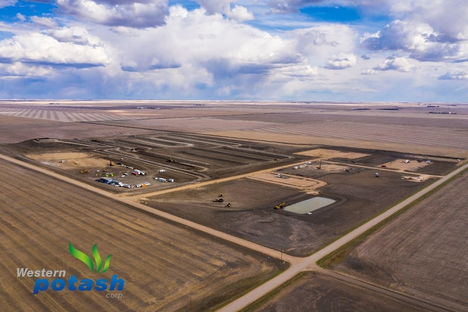 Western Potash Corp. Signs Lump-Sum Agreement with Stuart Olson for Milestone Phase I Potash Project